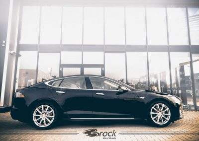 Tesla Model S Brock B32 KS