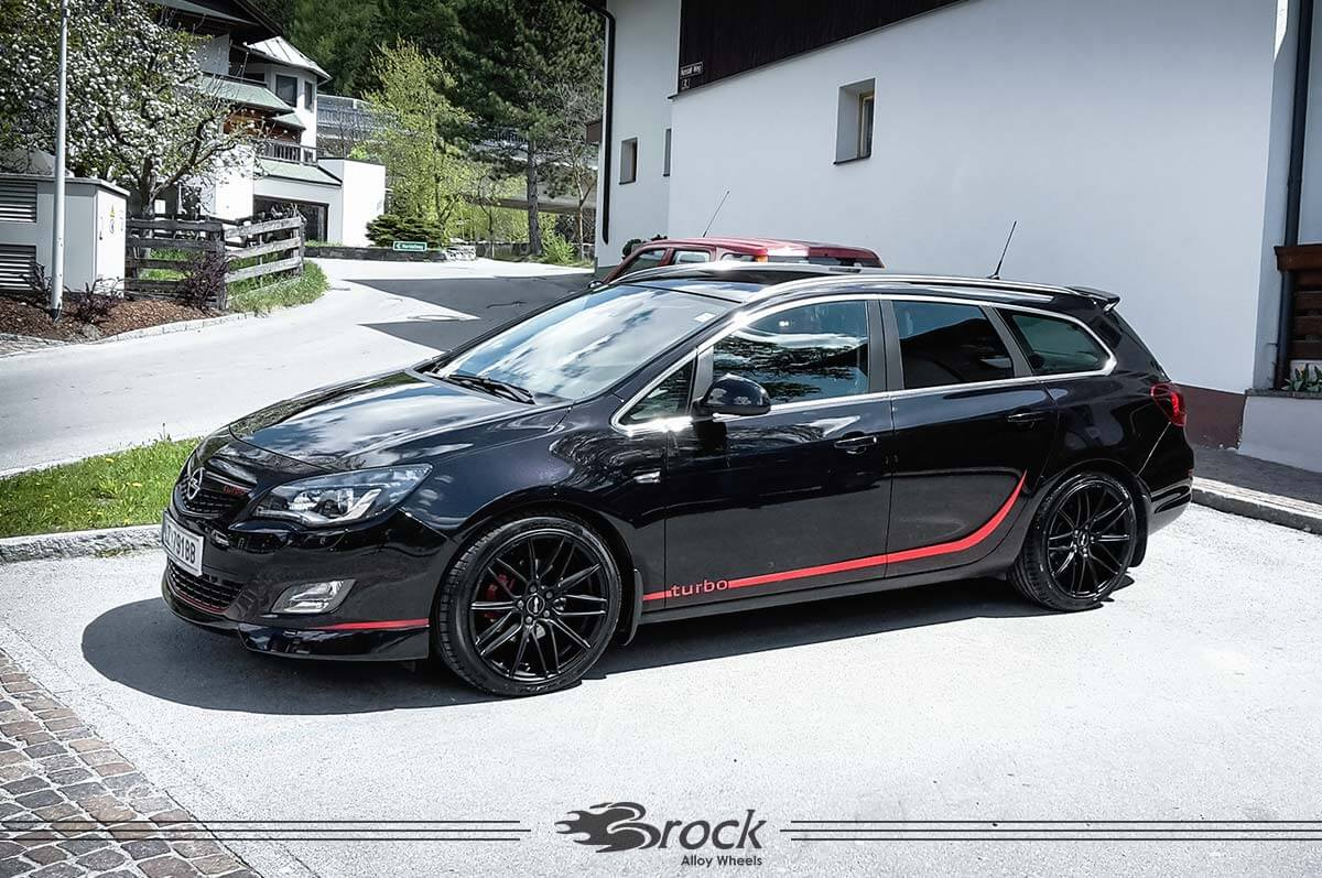 Opel Astra J Sports Tourer B34 SKM 859