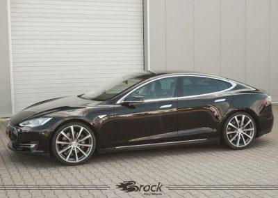 Tesla-Model-S-Brock-B32-9x21-HGVP-2
